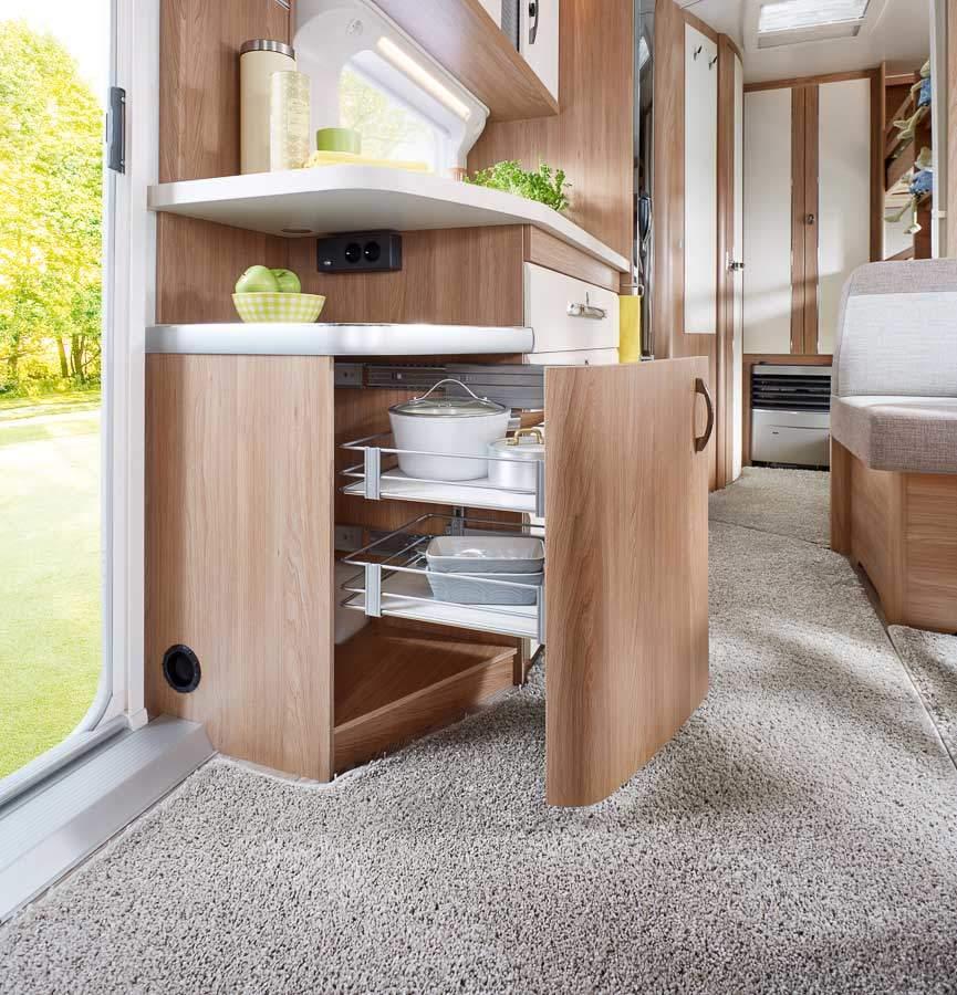 wohnwagen hobby de luxe 545 kmf modelljahr 2018 mieten. Black Bedroom Furniture Sets. Home Design Ideas