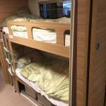 Wohnwagen Camper 730 FKR mieten: Etagenbetten