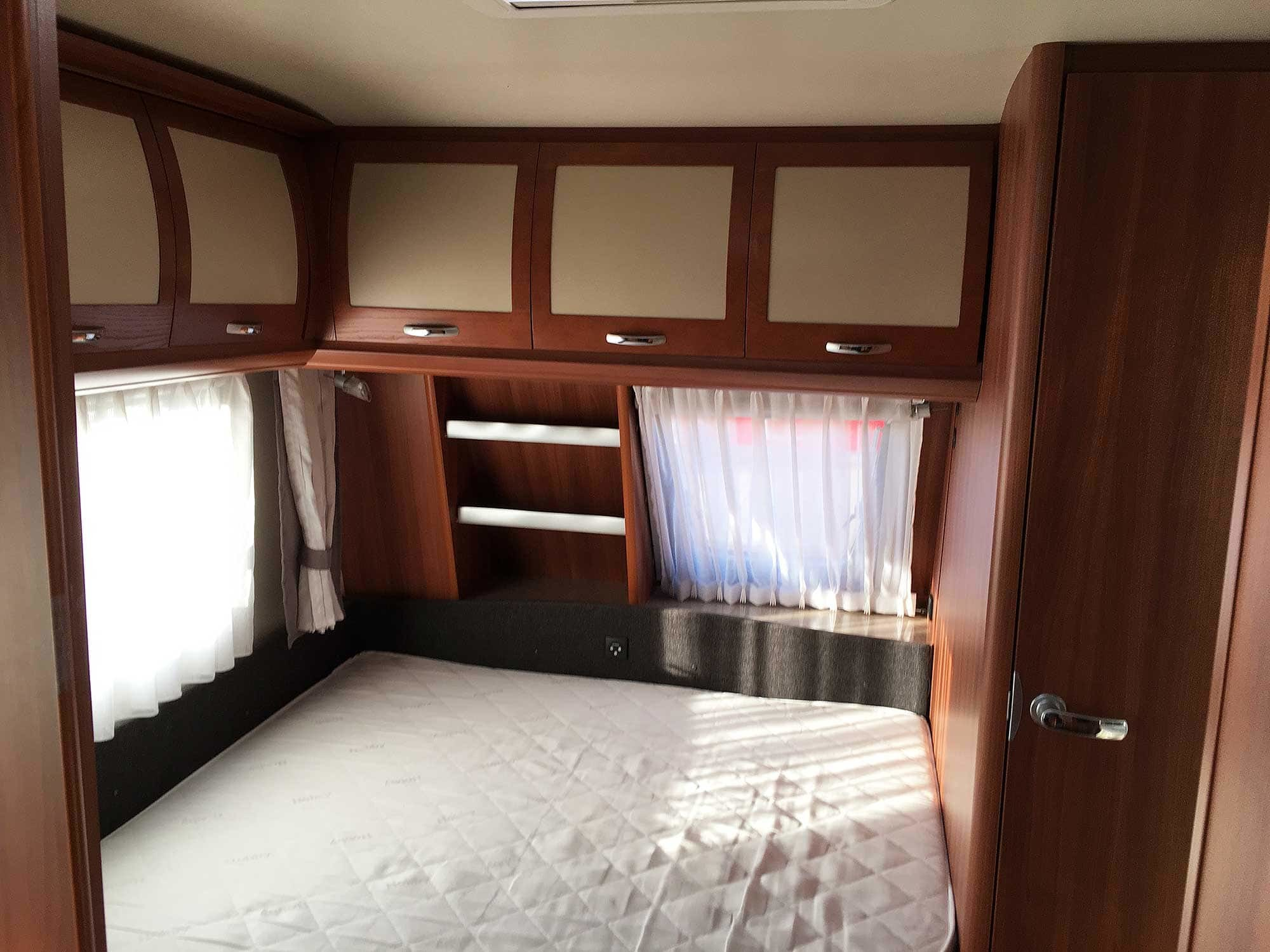 Wohnwagen Mit Etagenbett Für Erwachsene : Wohnwagen hobby prestige ukfe jetzt mieten